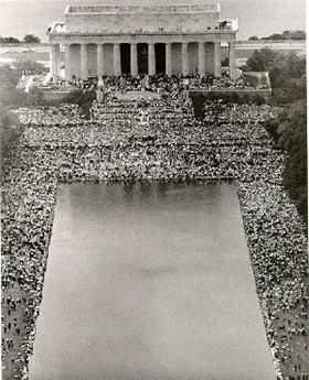 Lincoln plassen var den endelege møteplassen for demonstrantane.